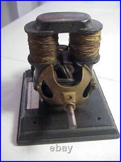 Antique BIPOLAR DIRECT CURRENT BATTERY FAN MOTOR