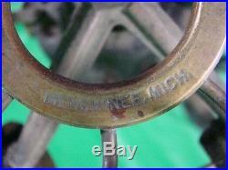 Antique Brass Blade Menominee Electric Fan Motor Bank Teller Vertical Axis Early