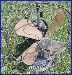 Antique Green 1927 12 Oscillating Brass blade GE loop handle fan cycles 25-30