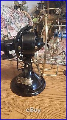 Antique Menominee 8in. Table Fan in Good Running Condition