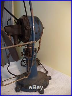 VINTAGE ANTIQUE PEERLESS BRASS FAN COLONIAL FAN & MOTOR CO. FOOTED BASE 1901-03